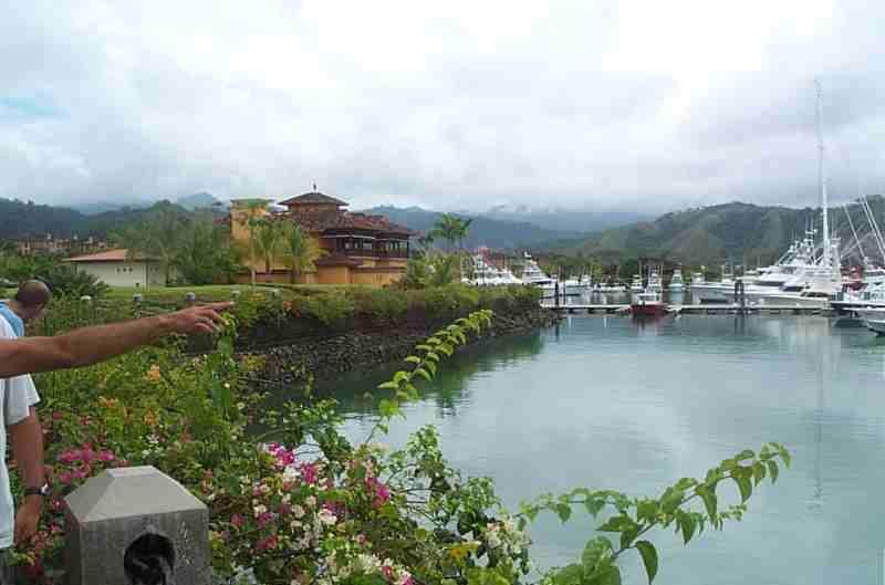 Marina en la ciudad de Herradura, la única con servicio completo en Costa Rica