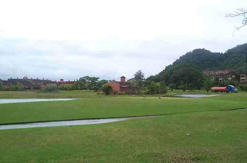 En Herradura hay un campo de golf de 18 hoyos