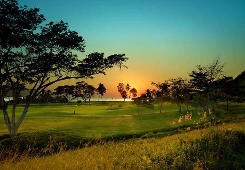 Atardecer sobre el Campo de Golf La Iguana en Herradura