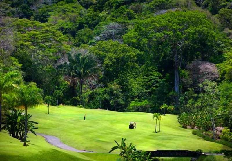 Campo de Golf La Iguana en la comunidad de Herradura