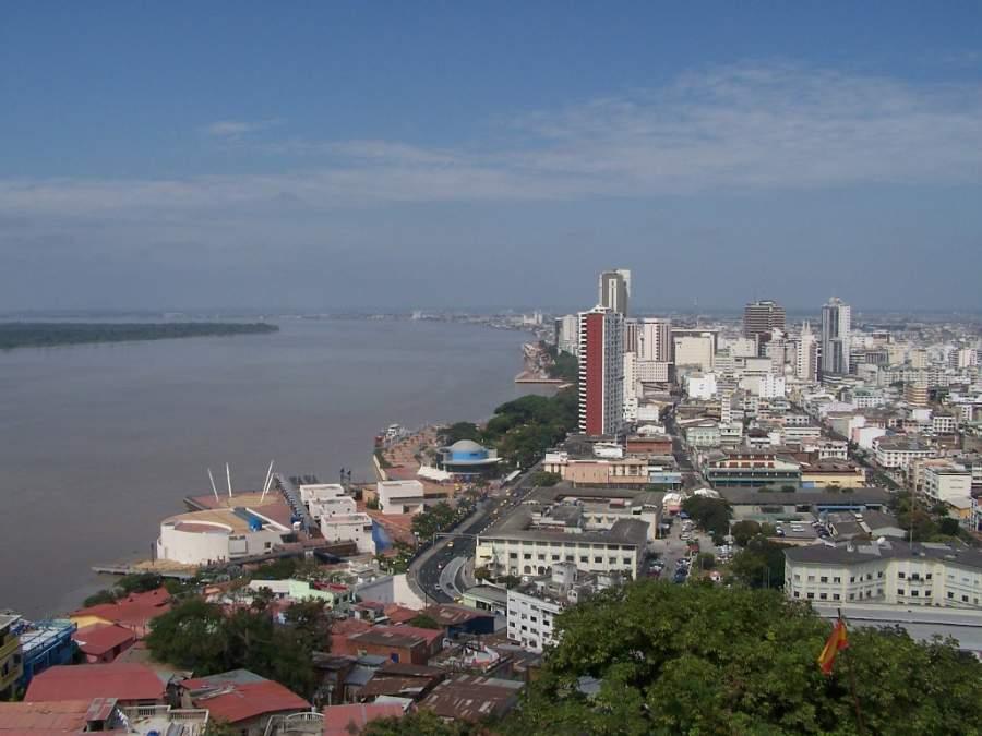 Vista de Guayaquil desde el cerro Santa Ana