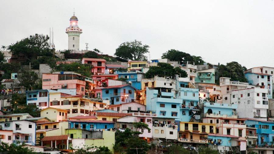 Barrio Las Peñas a pie del cerro Santa Ana en Guayaquil