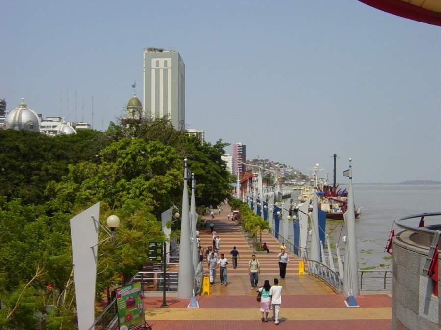 Corredor turístico Malecón 2000 en Santiago de Guayaquil
