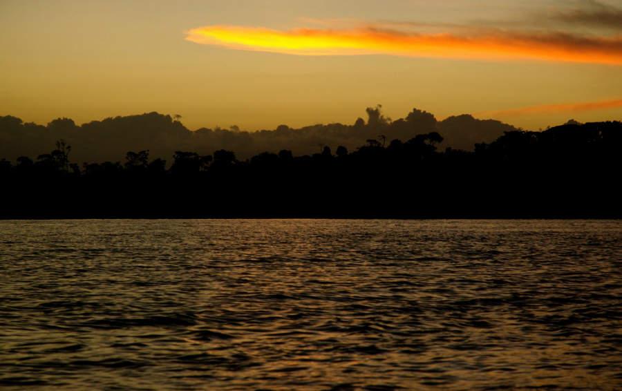 Contempla el atardecer en Isla Popa