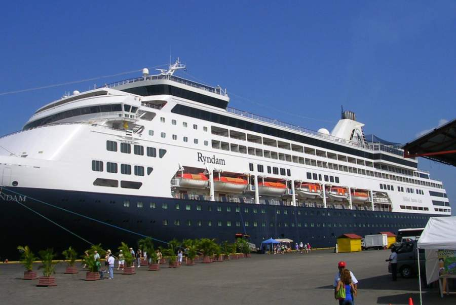 El puerto de Santo Tomás de Castilla es una importante terminal de cruceros en Guatemala