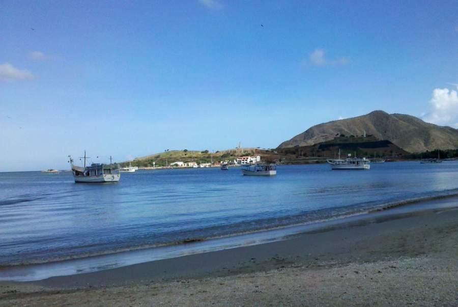 Disfruta de la playa en la bahía de Juan Griego