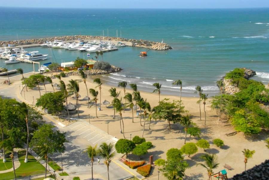 Vista de la bahía en Catia La Mar