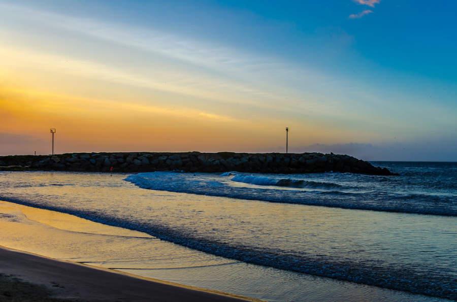 Admira el atardecer junto al mar en Catia La Mar