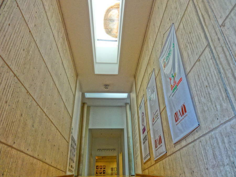 Observa el interior del Museo de Arte del Tolima