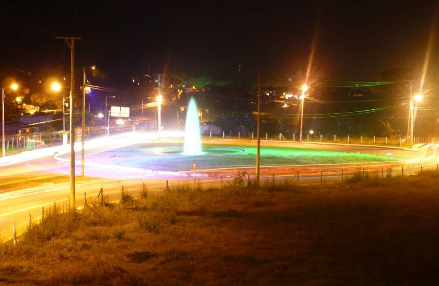 Vista nocturna de la ciudad de San Bonifacio de Ibagué