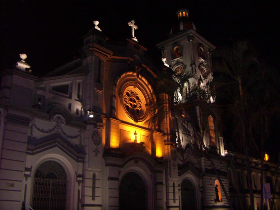 Catedral de Ibagué de noche
