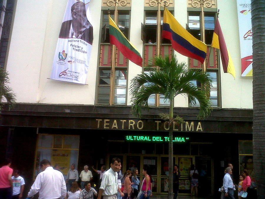 Entra al Teatro Tolima en San Bonifacio de Ibagué