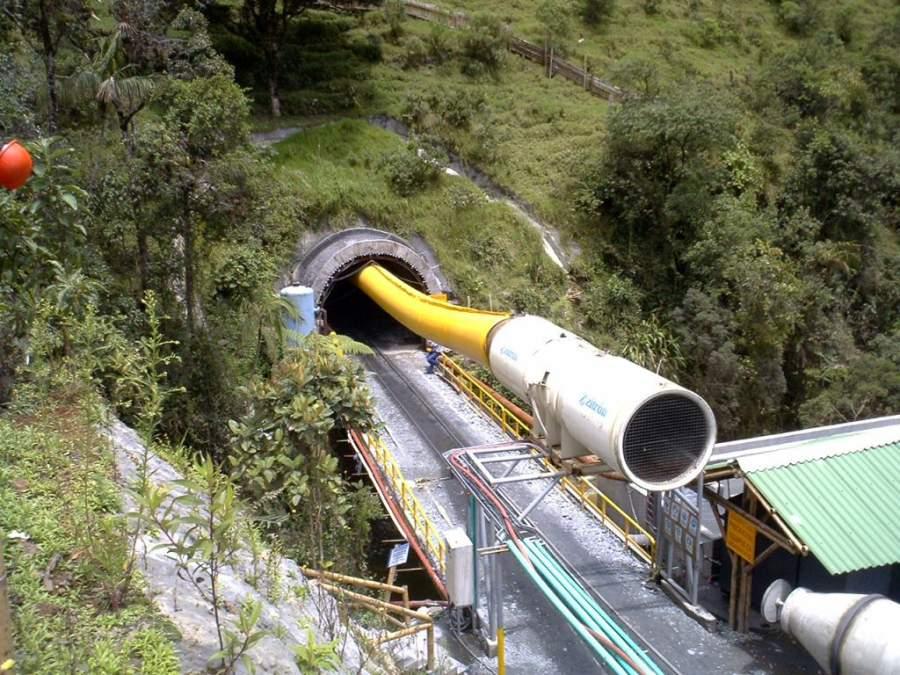 Túnel La Línea en la ciudad de San Bonifacio de Ibagué