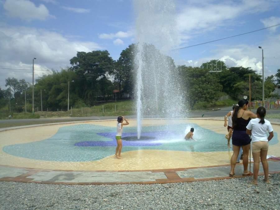 Refréscate en una fuente de San Bonifacio de Ibagué