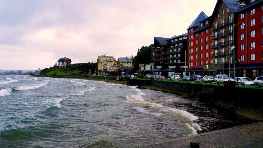 Panorámica de la costanera de Puerto Varas