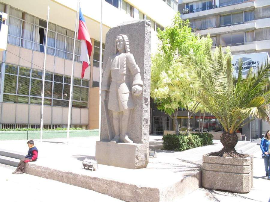 Monumento a José Antonio Manso de Velasco en Rancagua