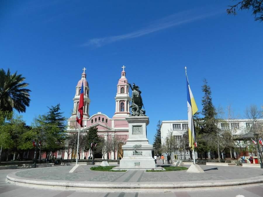 Visita la Plaza de Los Héroes en la ciudad de Rancagua