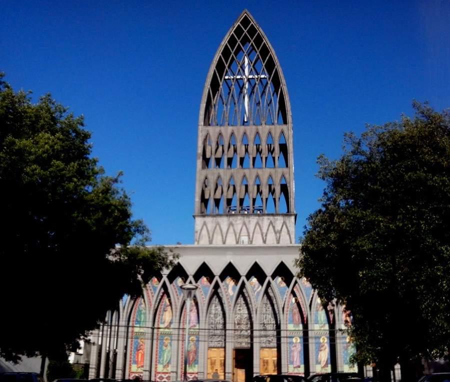 Fachada de la Catedral San Mateo Apóstol en Osorno