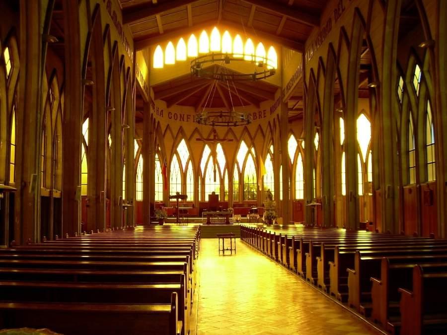 Visita el interior de la Catedral San Mateo Apóstol en Osorno