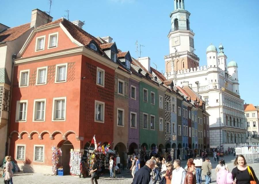 La Plaza del Mercado es una de las más grandes de Polonia