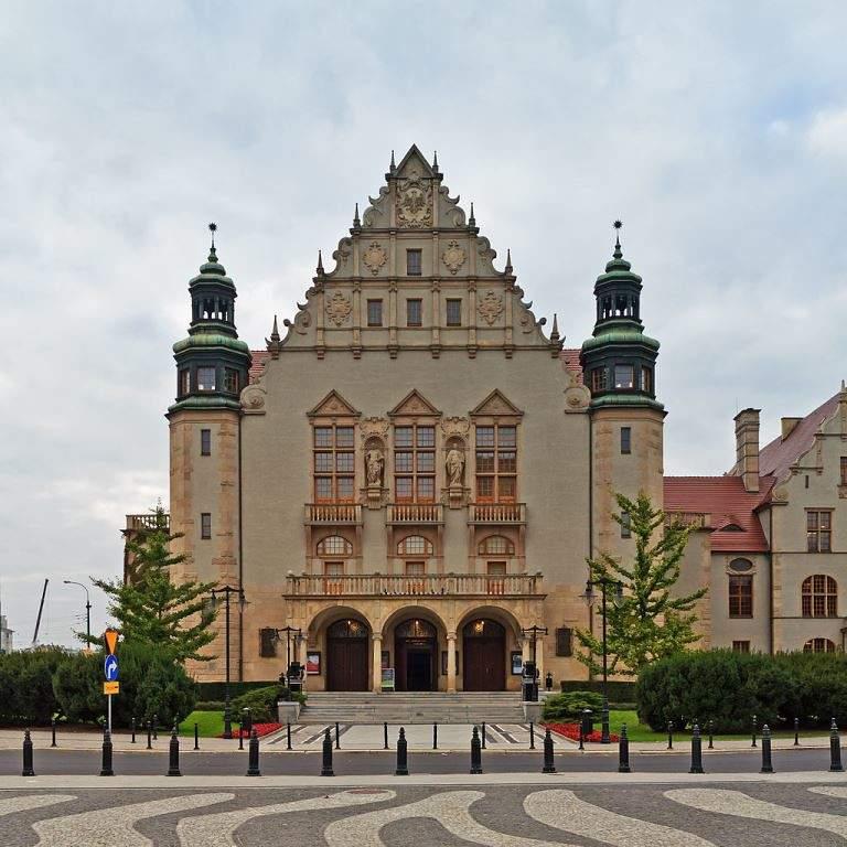 Panorámica de la Universidad Adam Mickiewicz de Posnania