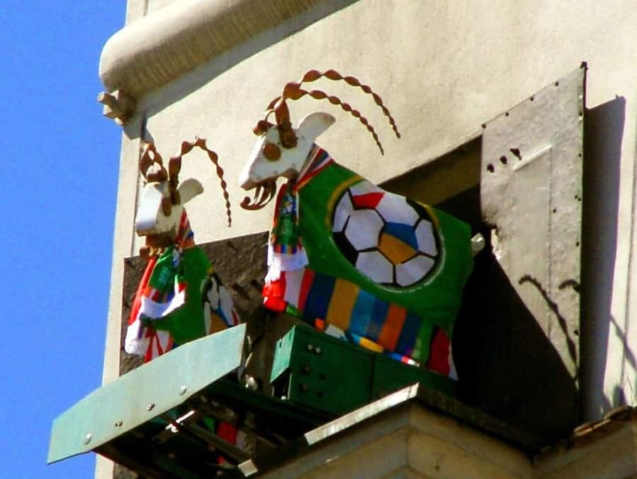 Los cabritos del reloj del Ayuntamiento, símbolo de la ciudad