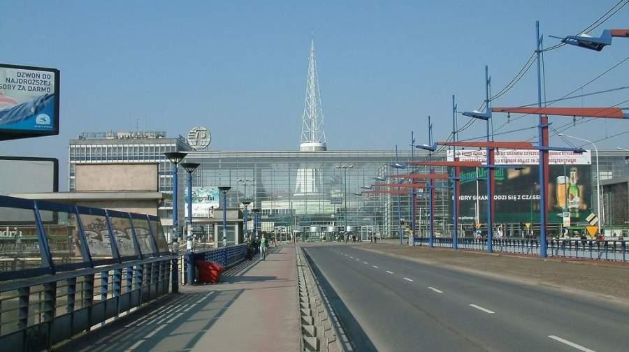 Vista a la entrada principal de la zona de Feria de Posnania