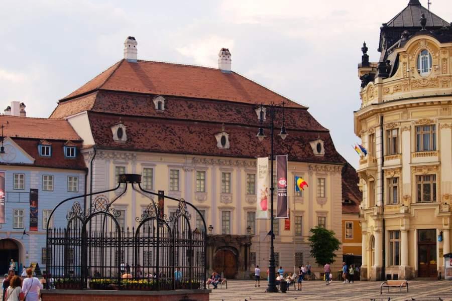 El Palacio Brukenthal en Sibiu alberga uno de los museos más antiguos del país