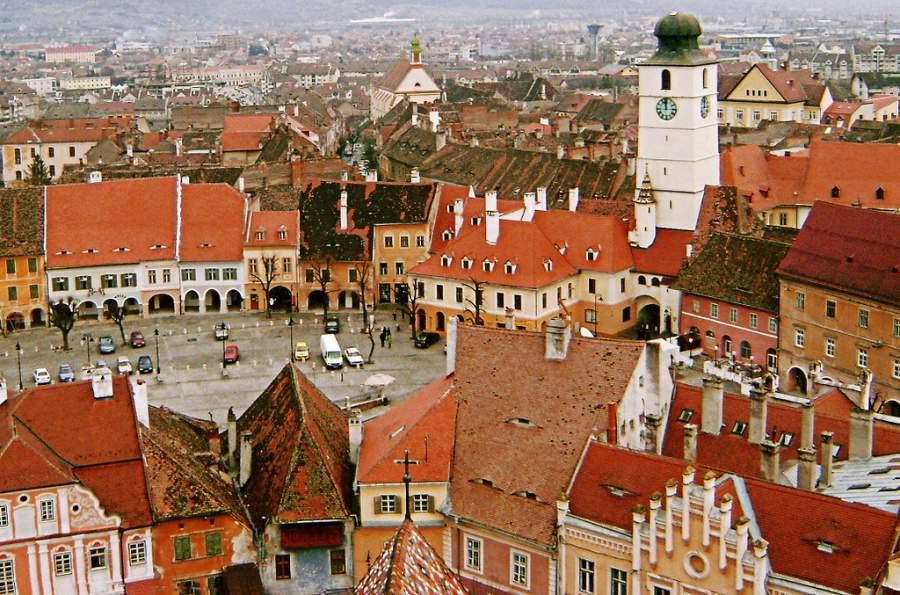 Vista de la Plaza Menor en Sibiu