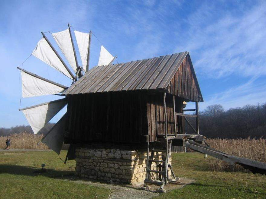 En el Museo ASTRA en Sibiu puedes ver edificaciones como los molinos