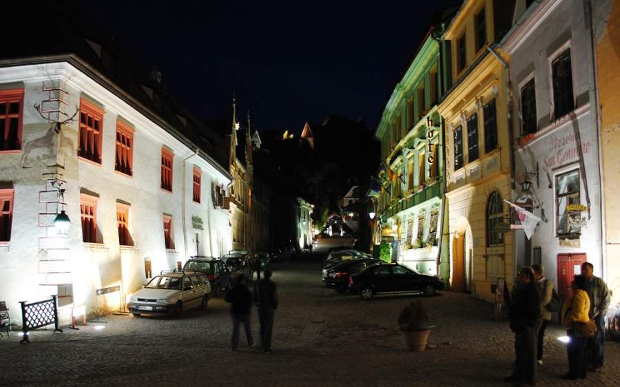 Vista nocturna de Sighisoara
