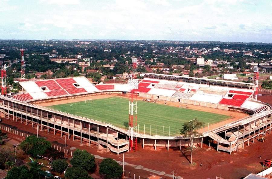 Estadio de fútbol Antonio Aranda en Ciudad del Este