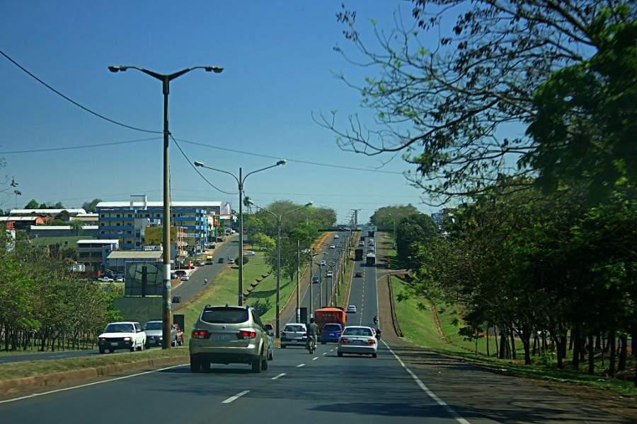 La Ciudad del Este se encuentra en la frontera con Argentina y Brasil