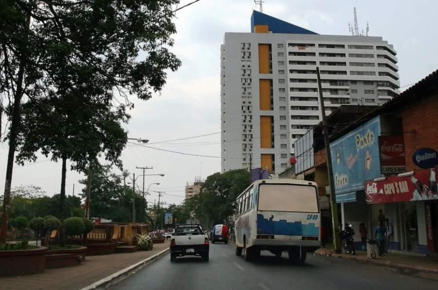 Avenida en la Ciudad del Este