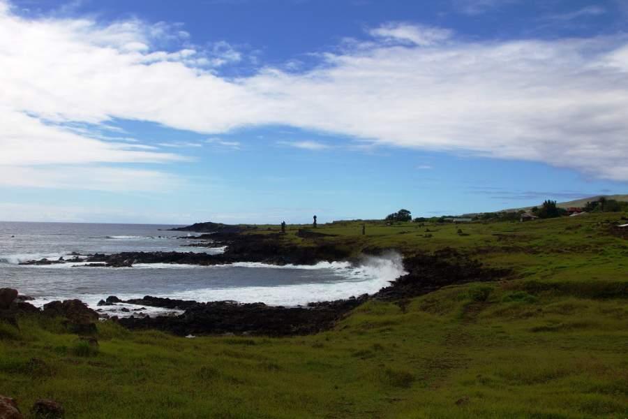 Vista de la costa en Hanga Roa