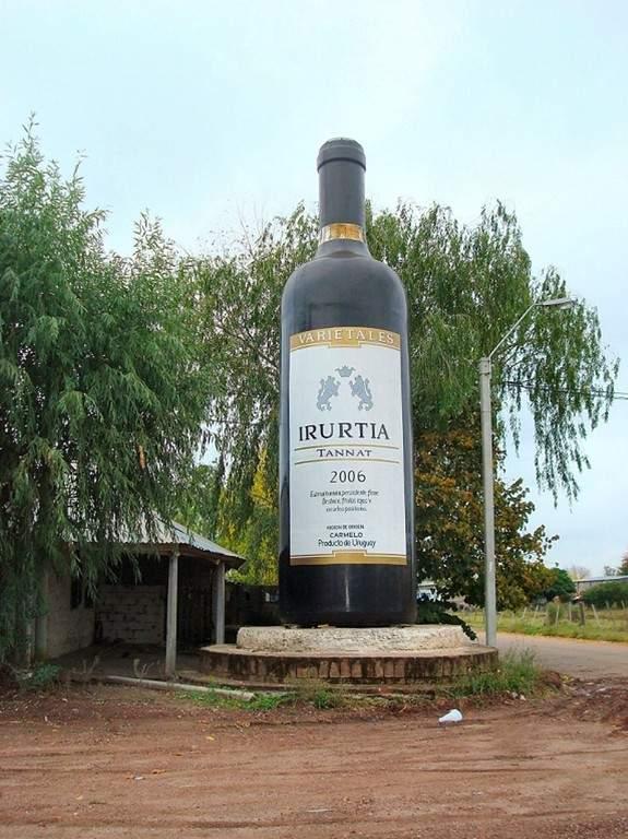 La ciudad de Carmelo es reconocida por sus viñedos