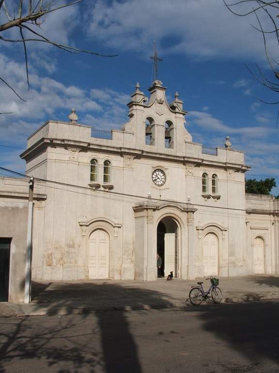 Fachada del Santuario de la Virgen del Carmen en Carmelo, Uruguay