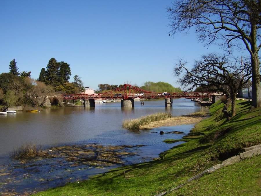 El Puente Giratorio es el sitio más emblemático de la ciudad de Carmelo