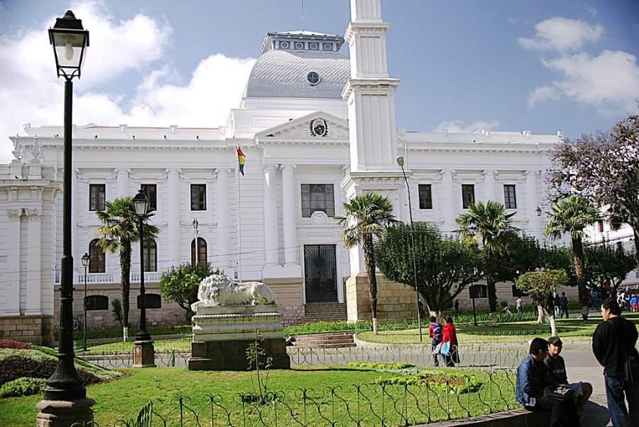 Visita el Palacio de Justicia en Sucre