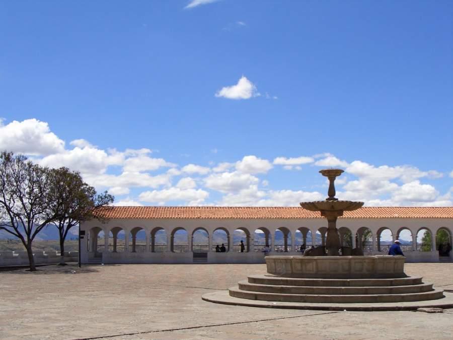 Sucre es conocida como la Ciudad de los Cuatro Nombres