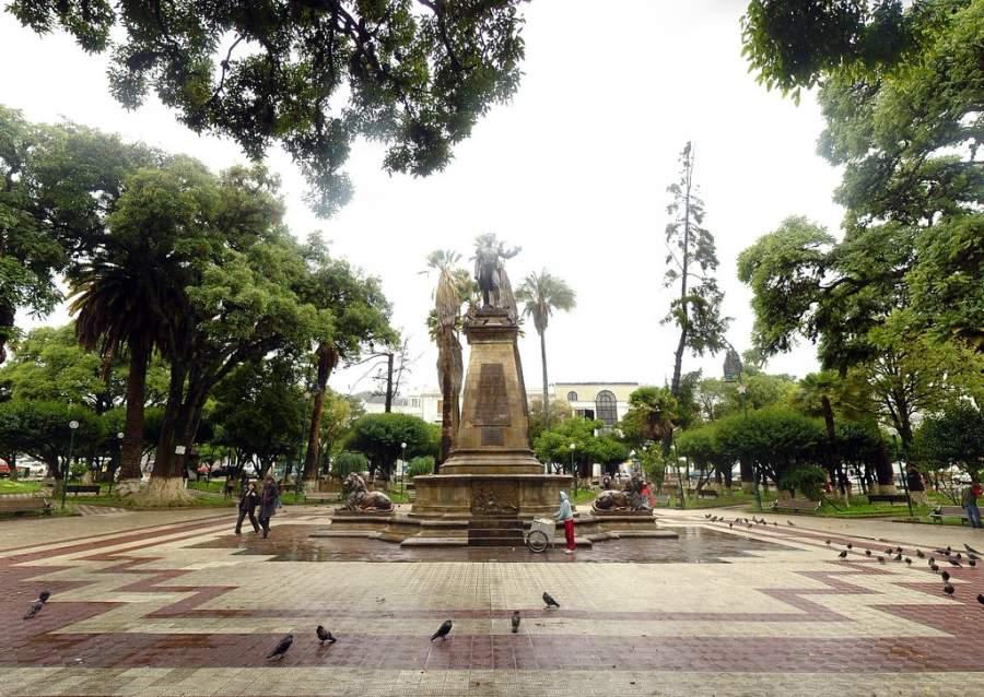 Toma la foto de la Plaza de Armas en Sucre