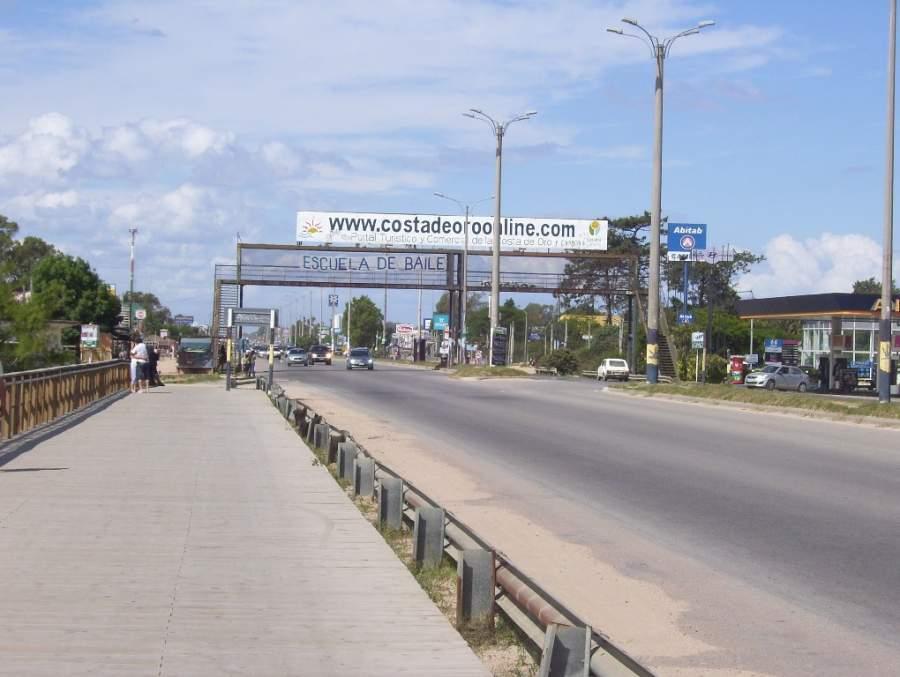 Avenida Giannattasio en Ciudad de la Costa