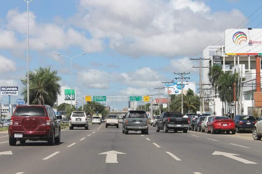Avenida en Santa Cruz de la Sierra