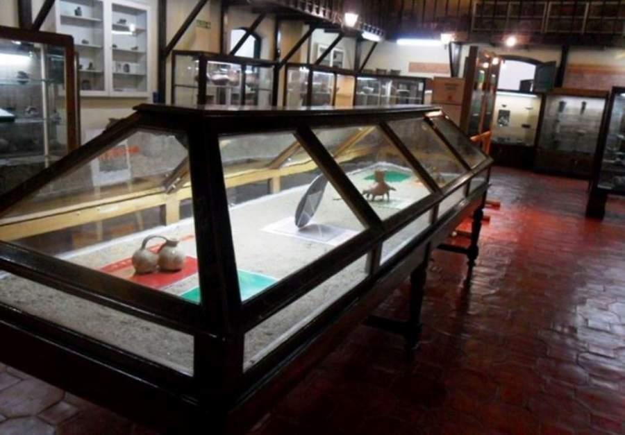 Interior del Museo Arqueológico Adán Quiroga en San Fernando del Valle