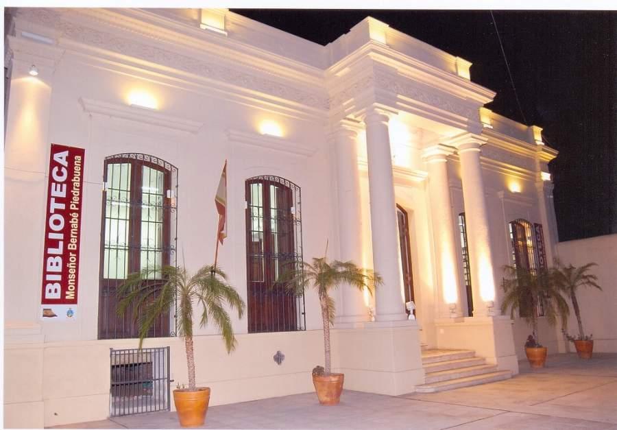 Biblioteca Monseñor Bernabé Piedrabuena en San Fernando del Valle