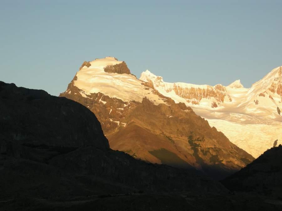 Panorama de los cerros Solo y Grande desde el mirador Los Cóndores cerca de El Chaltén