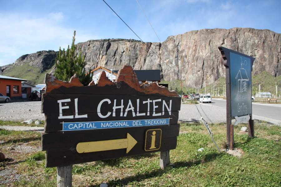 Letreto en la entrada del poblado de El Chaltén