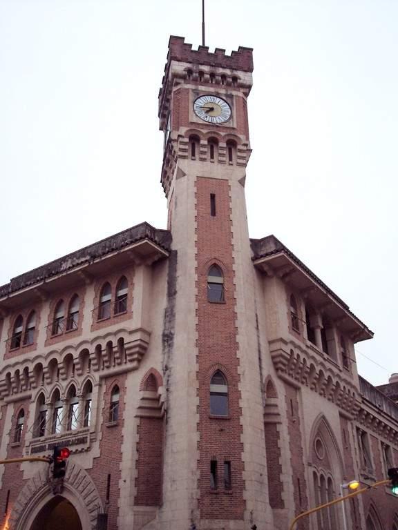 Fachada del Edificio del Correo Argentino en Tucumán