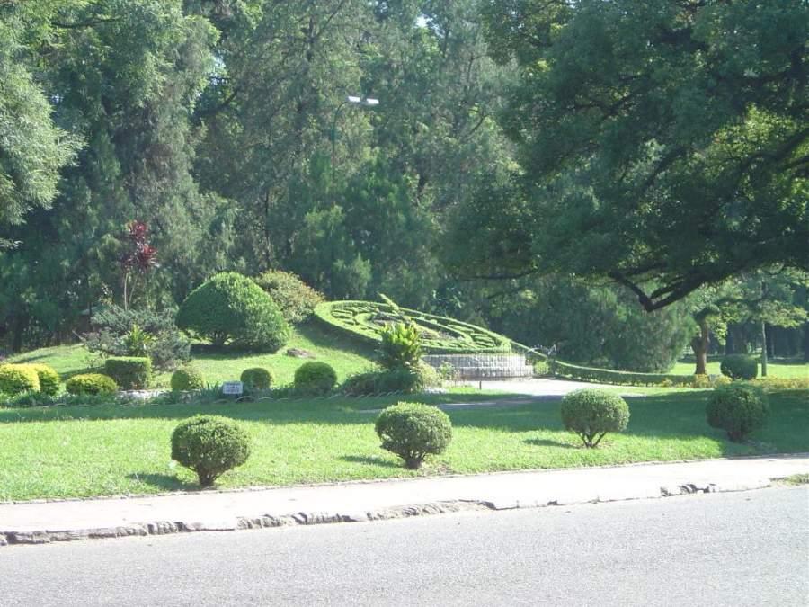 Reloj floral en el Parque 9 de Julio en San Miguel de Tucumán