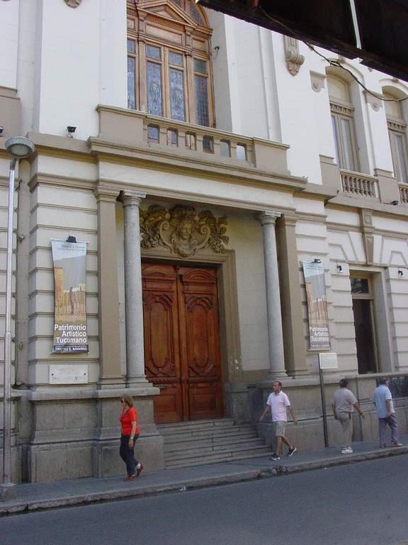 Exterior del Museo Provincial de Bellas Artes Timoteo Navarro
